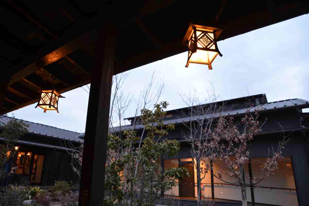 杉戸天然温泉雅楽の湯の回廊